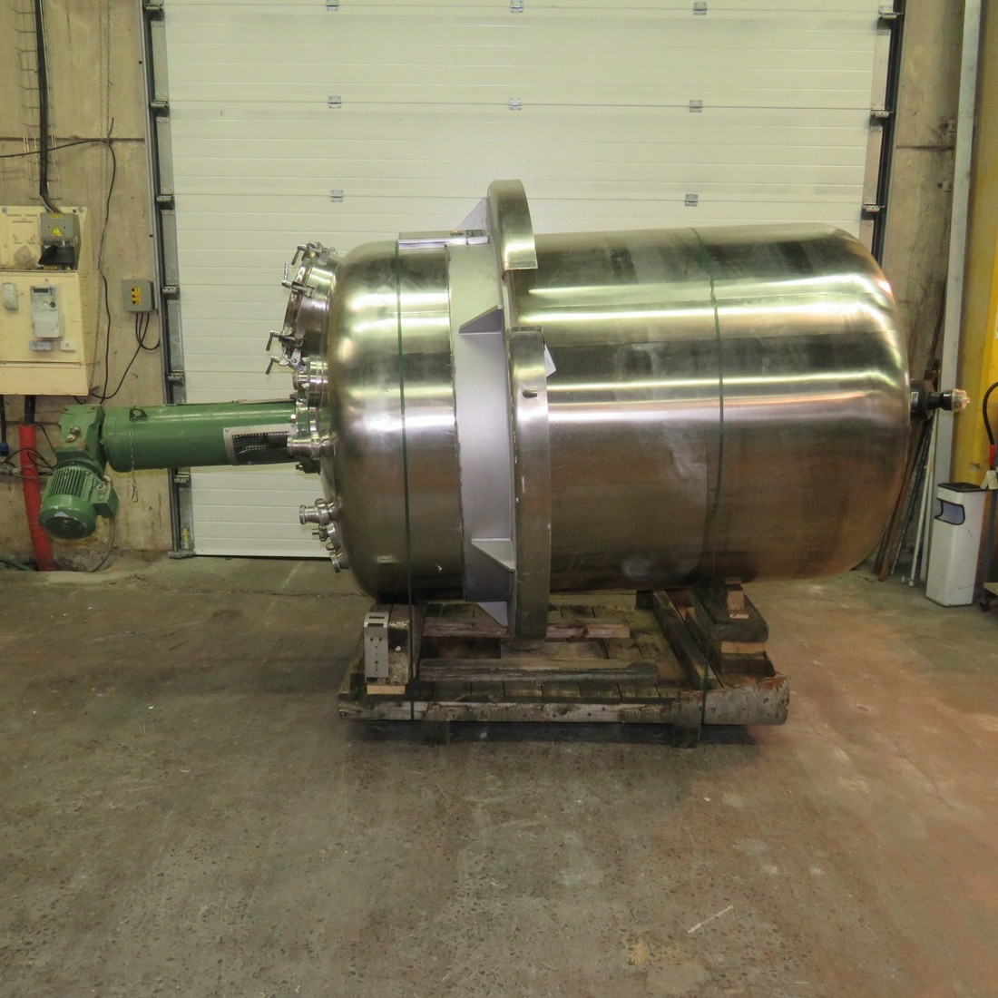 R6MA6152 Stainless steel ADM Mixing tank - 3000 Liters - Hp1.5