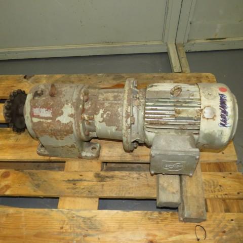 R12MB753 Motoréducteur SEW - Type R72LP112A - 3.6Kw - 100t/min