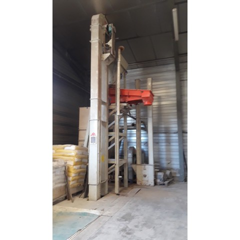 R15A1055 Mild steel vertical material transport unit - visible by appointment