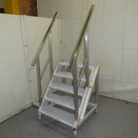 R15A1056 Escalier Inox