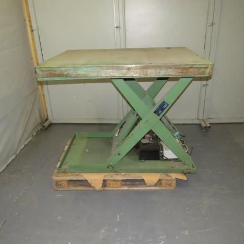 R4A781 Table élévatrice ALMA - 1000kg - plâteaux 1000X1350mm