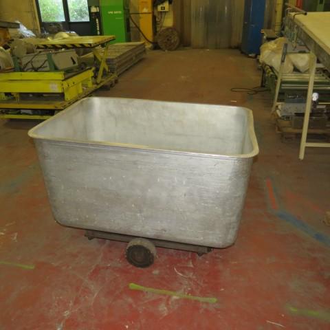 R11DC1006 Aluminum mobile container - 600 liters