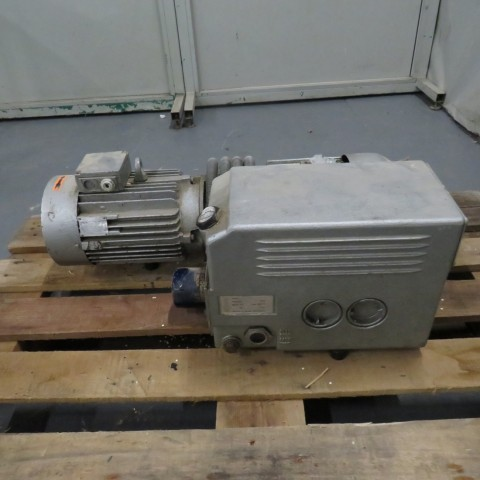 R10J806 BUSCH Vacuum pump - TYPE 100 132 -Hp3
