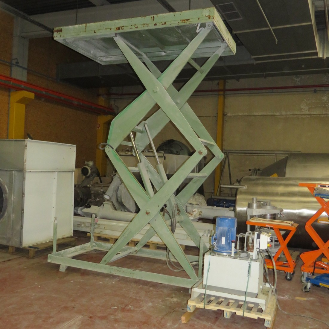 R4A785 ALMA lifting table - 1700 Kg - plate 1500X2700mm