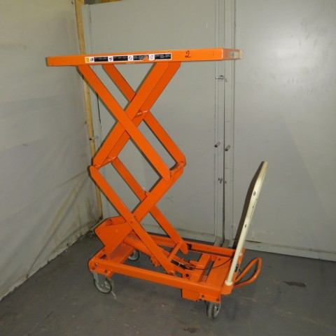 R4A786 Table élévatrice manuelle BISHAMON - 300 Kg - plateau 1000X510mm