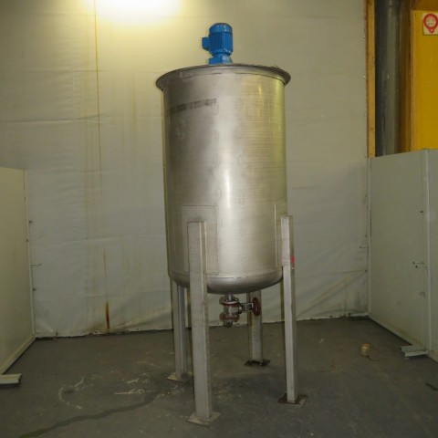 R6MA6166 Stainless steel mixing tank on feet - 1000 liters