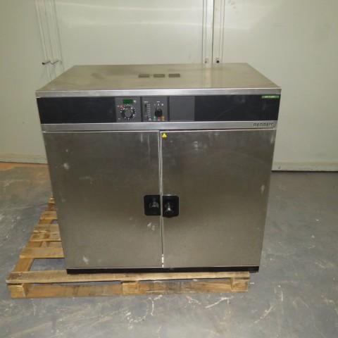 R1L1147 Étuve électrique MEMMERT Inox - Type ULM600 - 2400W