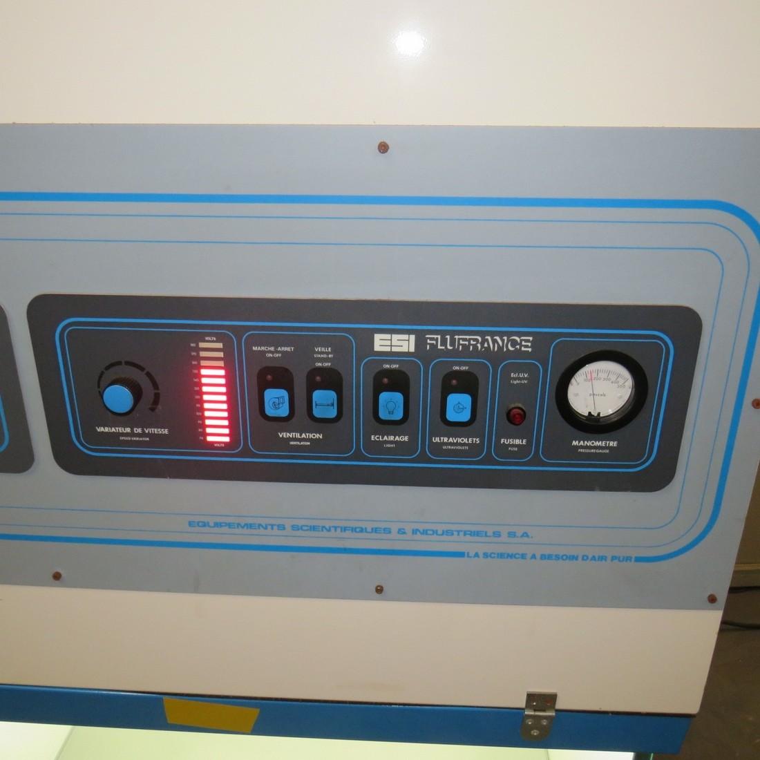 R1XB35 ESI FLUFRANCE Laminair flow hood