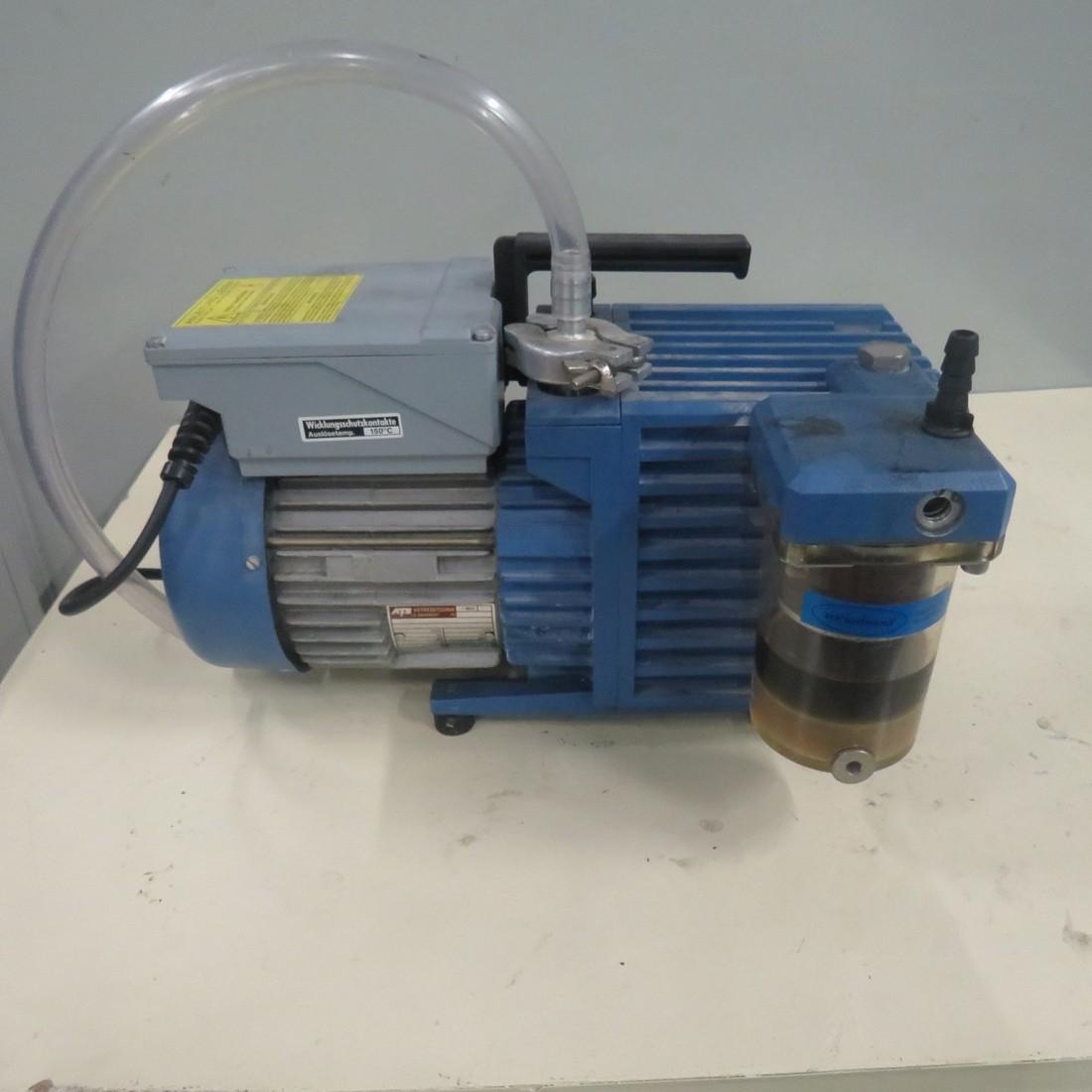 R10J812 VACUUBRAND Vacuum pump - RE5 Type - Hp0.4 - Rpm1500