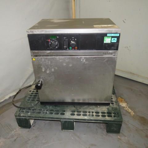 R1L1148 Etuve électrique MEMMERT Inox - Type UM200 - 1100W