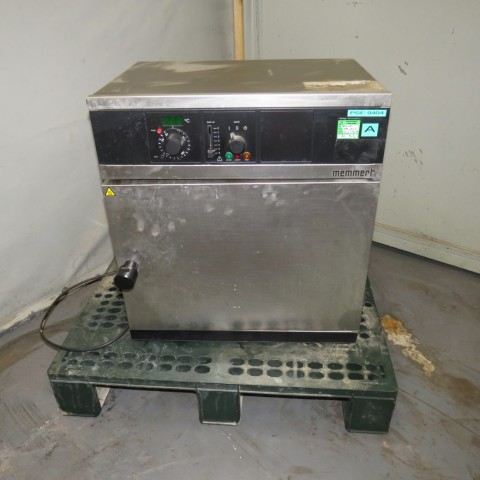 R1L1148 Stainless steel MEMMERT Electrically heated - UM200 Type - 1100W