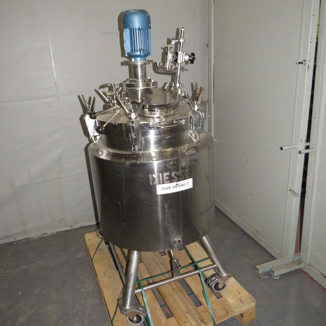 R6MA6177 Stainless steel DIESSEL Mixing tank - 140 Liters - Double jacket