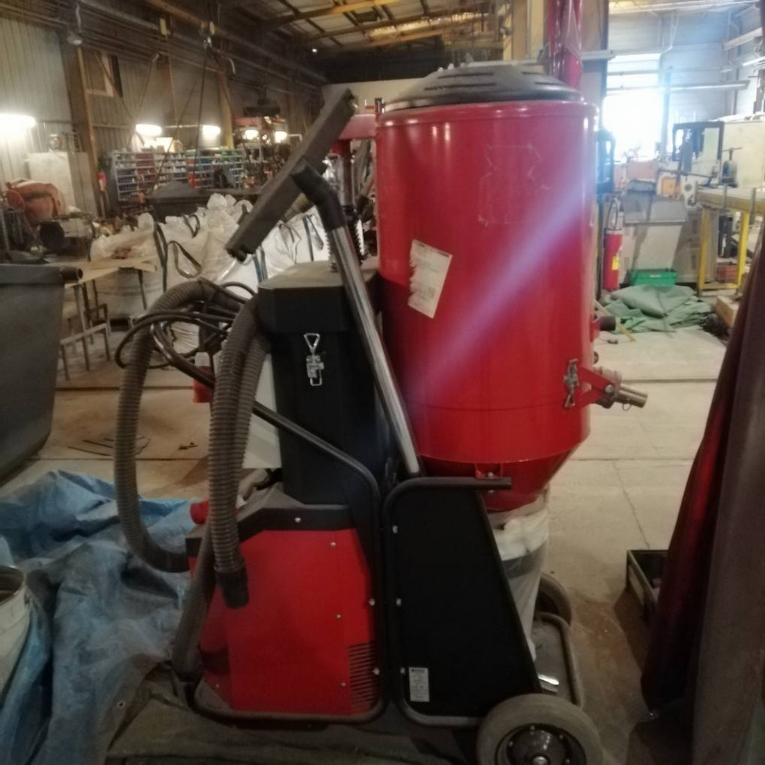 R1J1180 PULLMAN HERMATOR vacuum cleaner - Type T7500 - 5.5Kw - visible by appointment