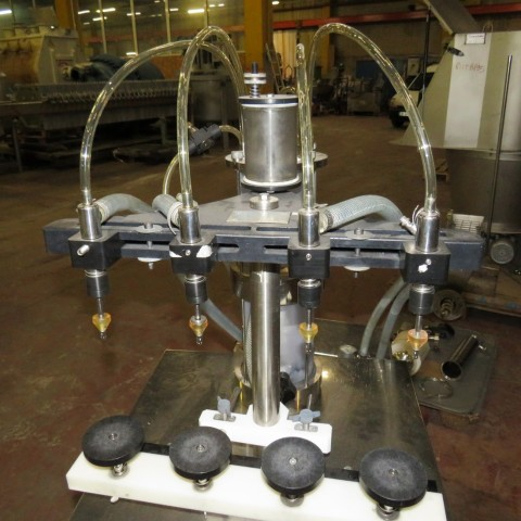 R11L1274 UNIVERSAL FILLING MACHINE COMPANY 4 head filler