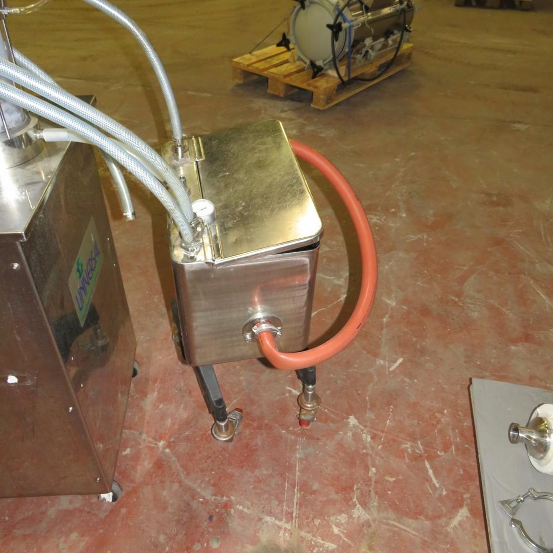 R11L1274 UNIVERSAL FILLING MACHINE COMPANY 4 head filler