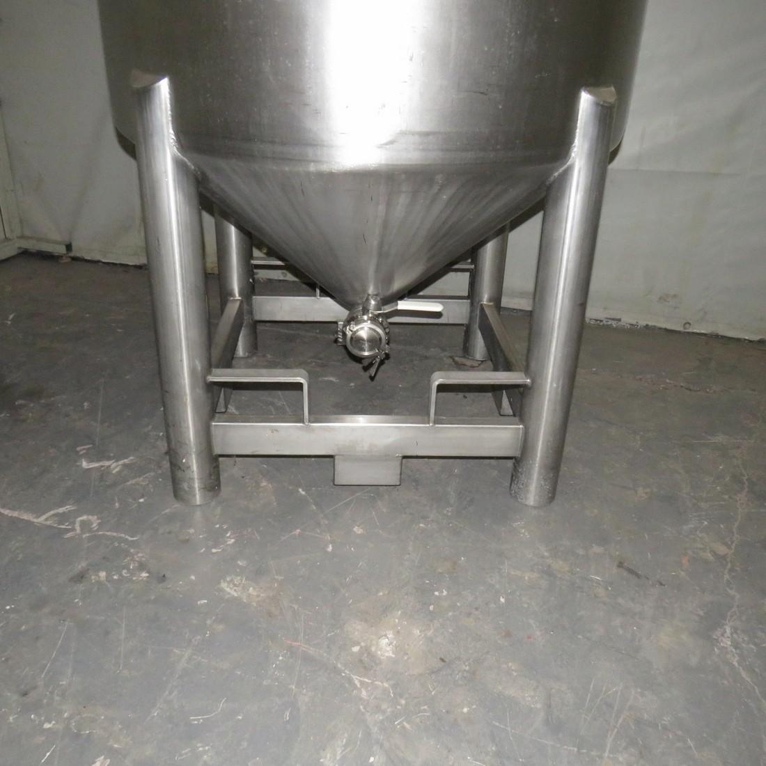 R11DB22720 Stainless steel 3C tank - 1030 liters