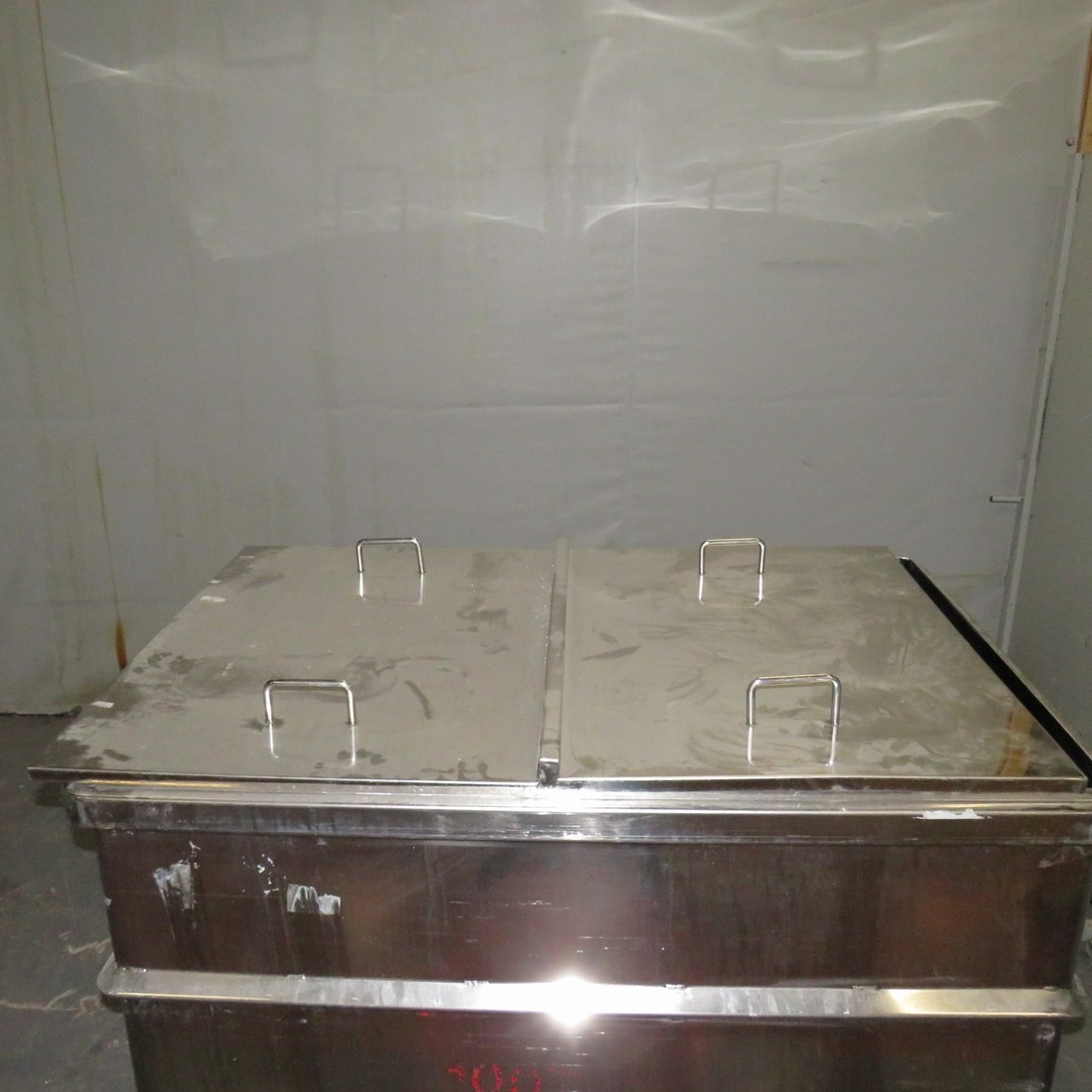 R11DB22721 Stainless steel vessel - 1200 liters