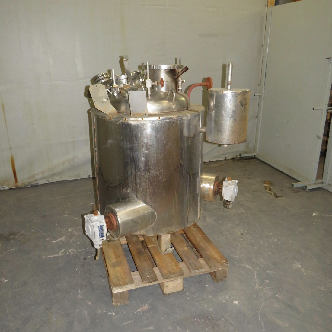 R11DB22723 Stainless steel electric melter - 150 Liters