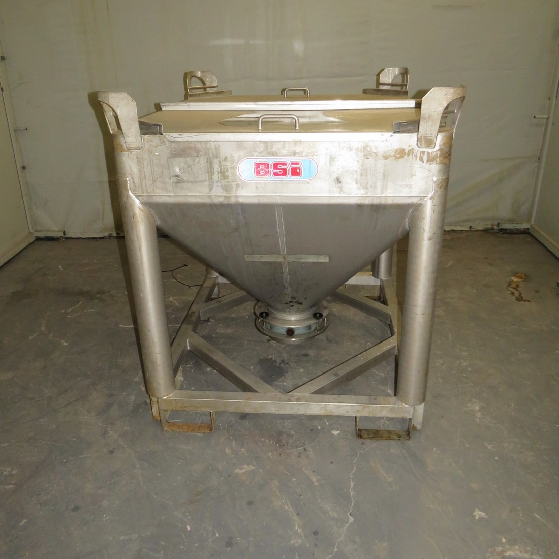 R11CB196 Stainless steel BSI container - 600 Liters