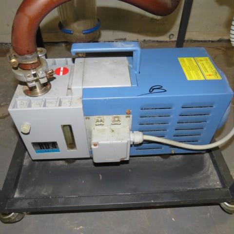 R10J813 Pompe à vide VACUUBRAND - Type RD-4