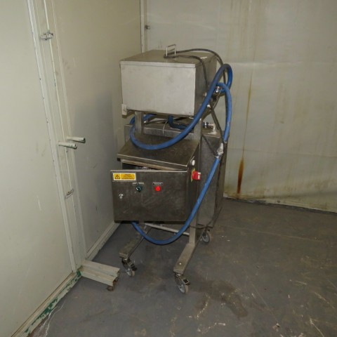 R11DB22728 Electric melter with GRUNDFOS circulation pump - 40 liters