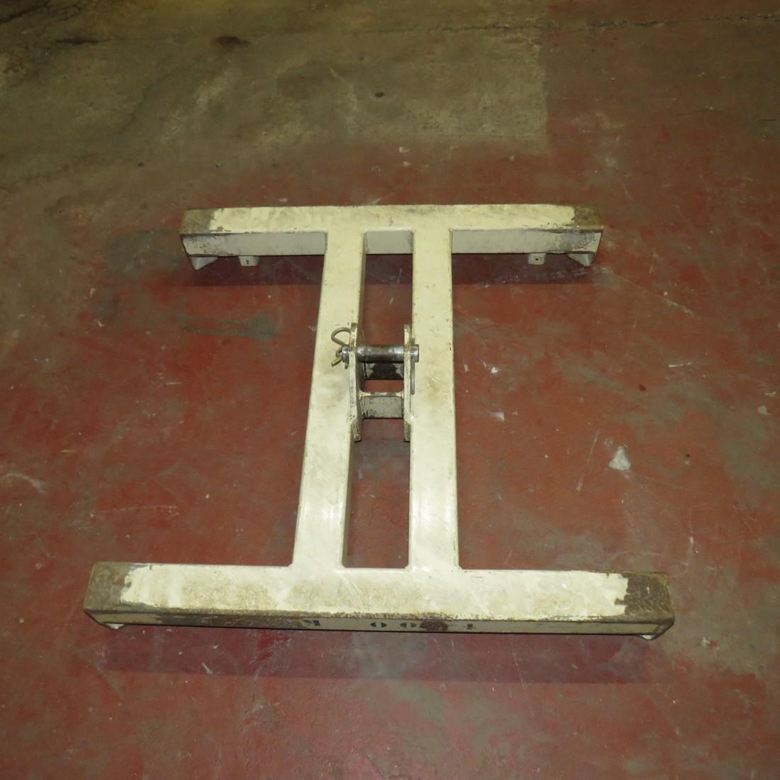R15A985 lifting bar