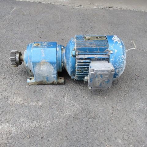 R12MA2758 SEW geared motor