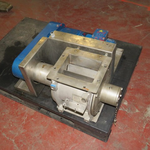 R6P823 rotative valve