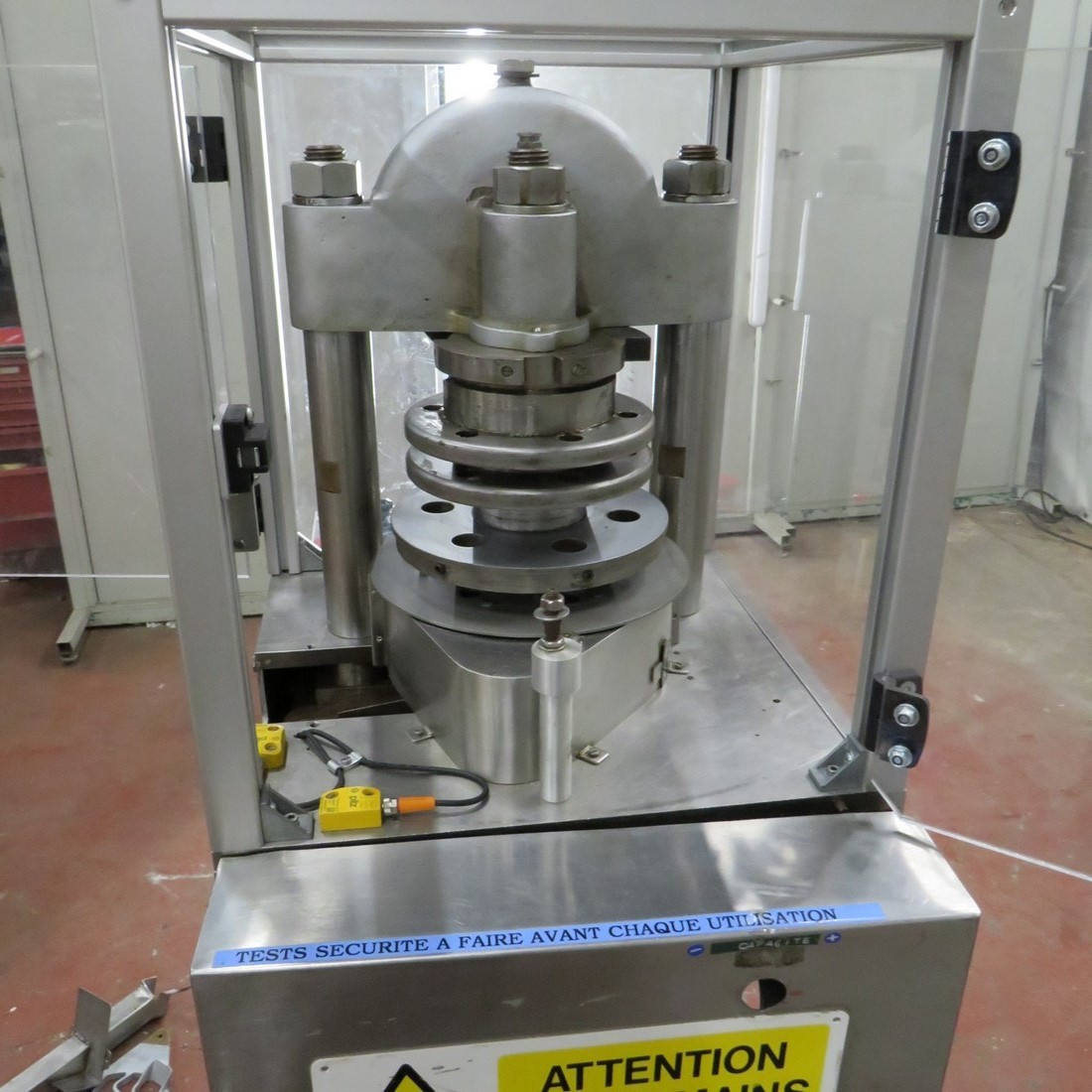 R15A1013 presse FROGERAIS