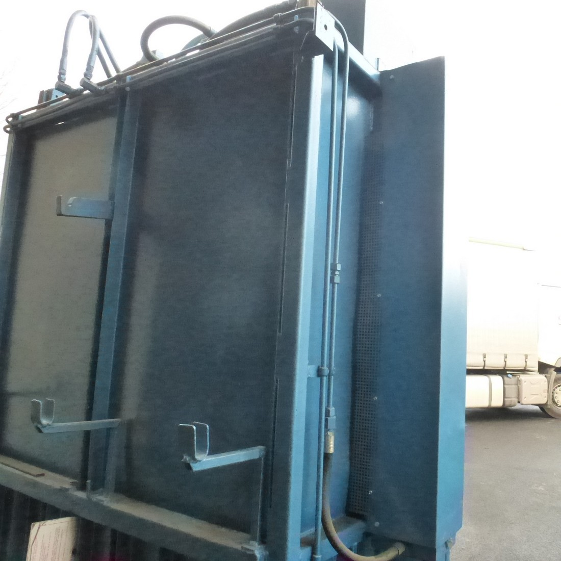 R5CRG774 Vertical ball press