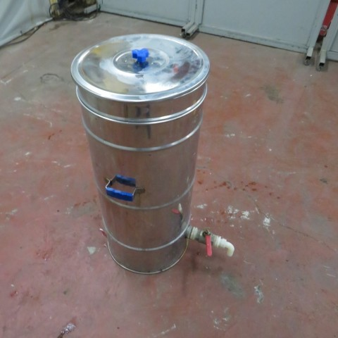R11DB22635 Stainless steel vessel 70 litres