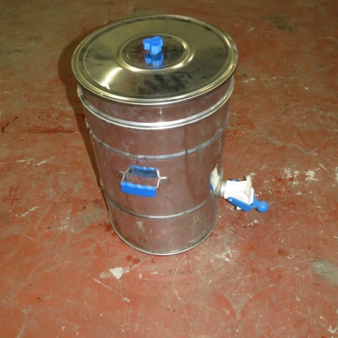 R11DB22633 Stainless steel vessel 40 litres