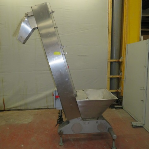 R4FB1159 Stainless steel FARMOMAC elevator conveyor - height 1900/2050 mm