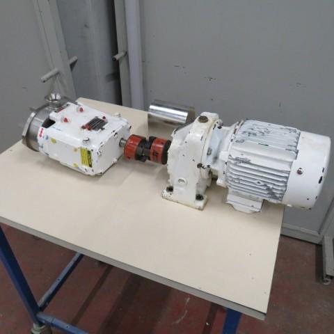 R10DE835  Pompe à lobes WAUKESHA type 015U2 0.75 kw - 1 cv - 220/380 volts