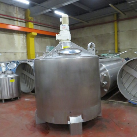 R6MA6114  Stainless stell mixing tank 3600 litres