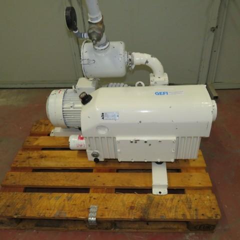 R10J801  Pompe à vide AZO type 250-138 n° 34086