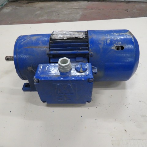 R12MA2761 Motoréducteur SEW USOCOME type R30 DT71K4