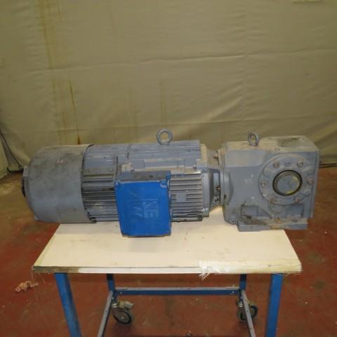 R12MC724  Motoréducteur SEW USOCOME type KA76 GVNI32