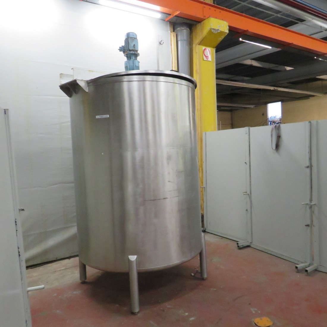 R6MA6127  Stainless steel OLSA mixing tank 4000 litres