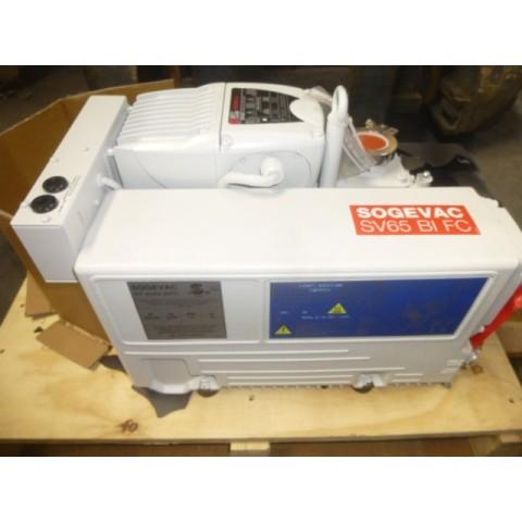 R10J804  Pompe à vide SOGEVAC type SV/40/65 BI FC-