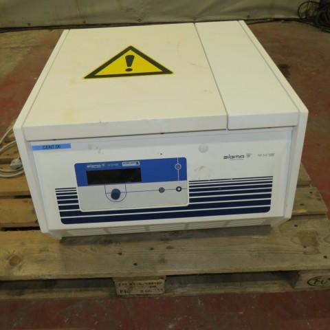 R6EE864  Centrifugeuse SIGMA type 4K15
