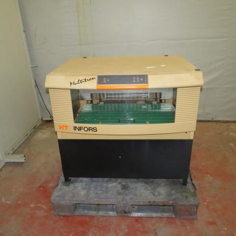 R15A1028  Agitateur incubateur MULTITRON type HT INFORS