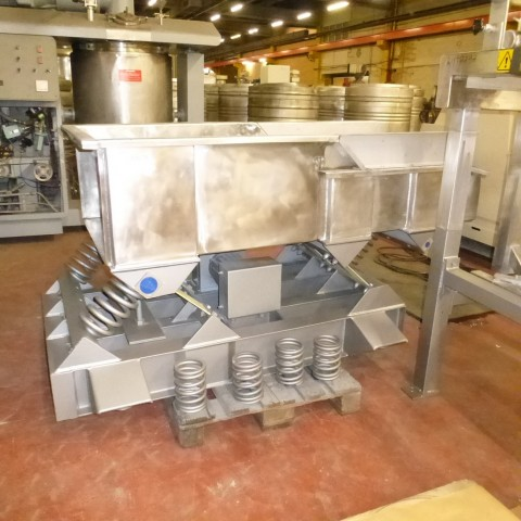 R4U74 Stainless steel KINERGY CORP vibrating corridor type KDO-30 - 750 x 1500 mm