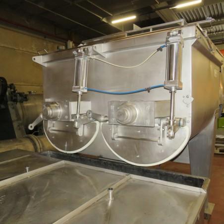 R6ME6372 Ensemble mélangeur WOLFKING 1500 litres + gaveuse 1200 litres