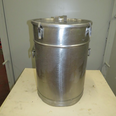 R11DB22646  Stainless steel vessel with lid 45 litres