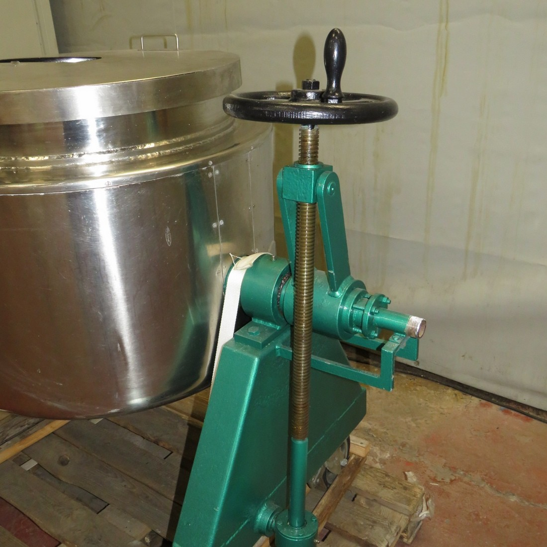 R11DB22647  Stainless steel BIONAZ melter 150 litres