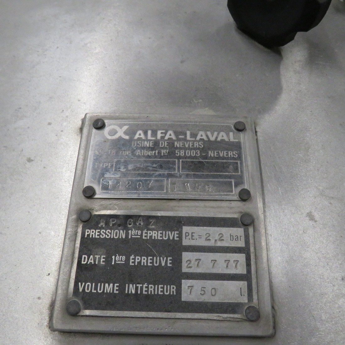 R11DB22649  Stainless steel storage tank ALFA LAVAL 750 litres