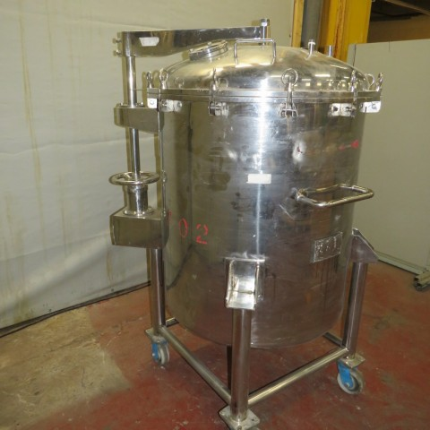 R11DB22651  Stainless steel vessel 800 litres