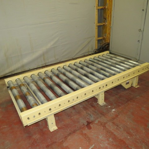 R4FC848 Roller powered conveyor length 2700 mm and width 1090 mm