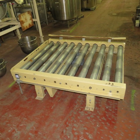 R4FC850 Roller powered conveyor lenght 1500 mm and width 1090 mm